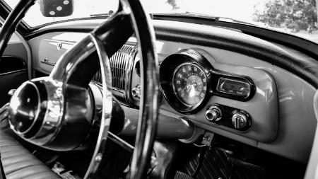 An old-fashioned car dashboard. Credit Rosalie McGlashan.